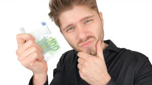 Wer zahlt beim ersten Date Mann Frau 50 50