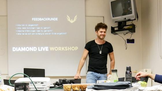 Flirten-Lernen-beim-Diamond-Live-Workshop-Flirt-Workshop-Seminar-Kurs-Frankfurt
